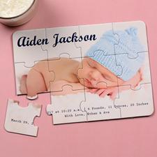 Rompecabezas como anuncio del nacimiento de un hijo e invitación