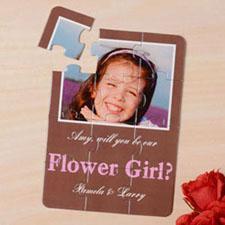 Rompecabezas como carta de color marón tipo madera ´Quieres ser la chica de las flores?