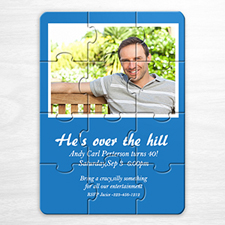 Rompecabezas como invitación personalizada de color azul y con foto