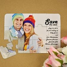 Rompecabezas como invitación personalizada para que guarden la fecha del día del amor para siempre