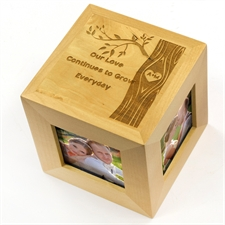 Cubo de fotos de madera de romance encantador grabado