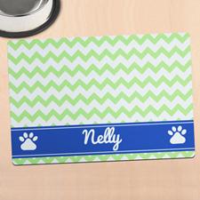 Alfombrilla de comida personalizada para mascota diseño cheurón verde