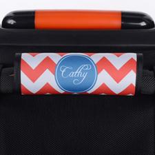 Envoltura de asa de equipaje roja personalizada con chevron azul