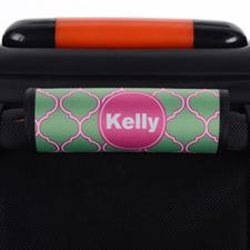 Envoltura de asas de equipaje personalizada de pavo real y quatrefoil rosa.