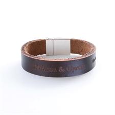 Brazalete de piel personalizable con grabado