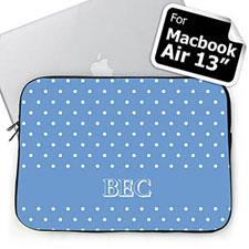 Iniciales personalizadas de lunares color azul celeste Macbook Air 13 Manga