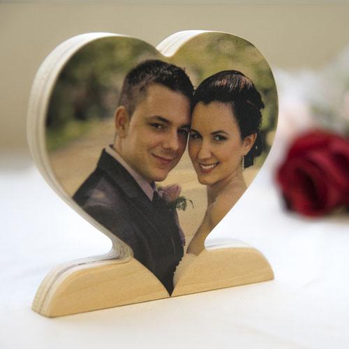 Decoración personalizada de corazón con foto de madera